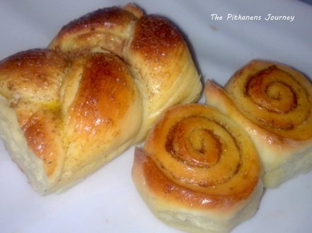 Pulla - finnish coffee bread.