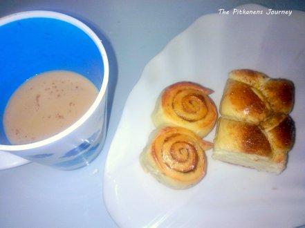 Dinikmati bareng teh masala, kopi, atau susu. Apalagi pas musim dingin, lebih mantap!